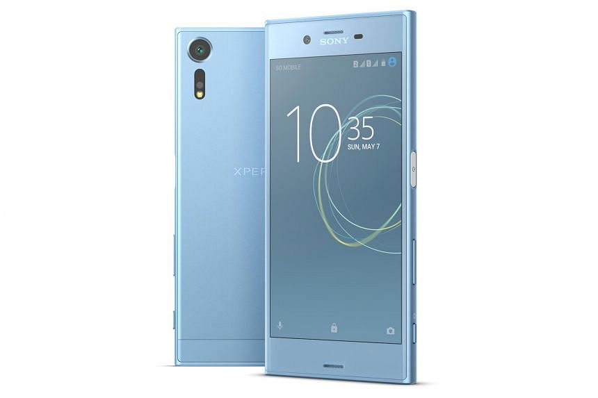 The biggest feature that Sony has added to the Xperia XZs is a triple-stacked memory sensor, which allows the XZs to record and process images at very high speeds.