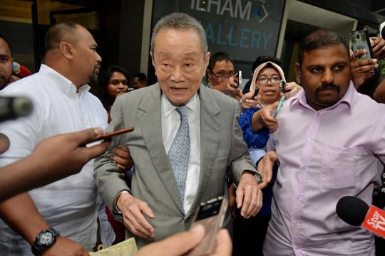 Tycoon Robert Kuok saluted PM Mahathir and said You saved the country