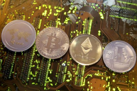MAS warns 8 cryptocurrency exchanges bars ICO issuer