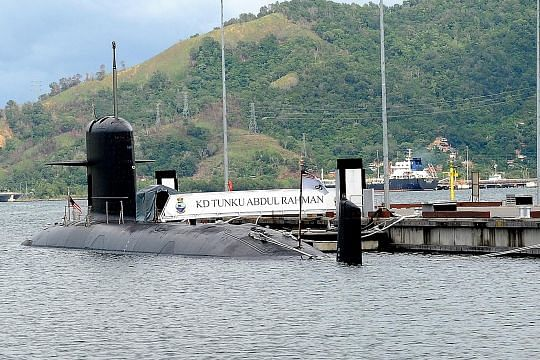 Najib quizzed by anti graft body over French submarine deal