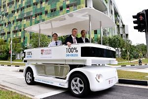 Singapore's first driverless shuttle transportation system - Navia - carries passengers on a pre-programmed route between Nanyang Technological University (NTU) and the CleanTech Park of JTC Corporation. It can carry eight passengers and has a maxi