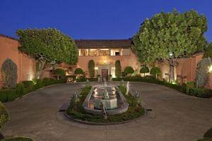 Beverly House in Los Angeles.-- PHOTO:BILLIONAIRE.COM