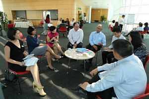 The 15-member Founders' Memorial Committee convened for the first time in a two-and-a-half-hour meeting at The Pod at National Library on Tuesday.