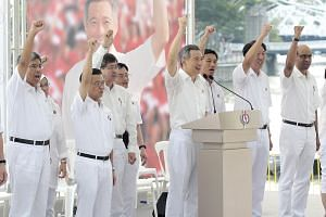 Prime Minister Lee Hsien Loong speaking at a People's Action Party lunchtime rally at Boat Quay in 2011.