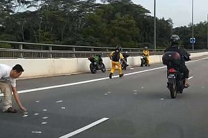 The Malaysian notes which people scrambled for on the Bukit Timah Expressway on Monday (Aug 3) came from RM150,000 (S$53,373) belonging to a moneychanger.