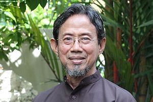 Former senior ministers of state Sidek Saniff and Ch'ng Jit Koon were two of six recipients of the award.