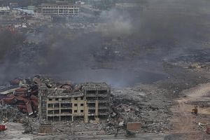 China has defended the firefighters who first hosed water onto the blaze in a warehouse storing volatile chemicals, which foreign experts said could have contributed to the two huge blasts that ripped through Tianjin. Evacuees at a school converted i