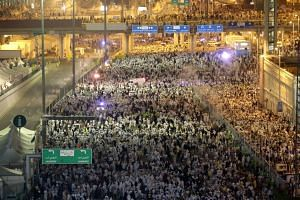 Pilgrims moving towards the Jamarat stations to symbolically stone the devil in Mina, Mecca on Sept 25, 2015.