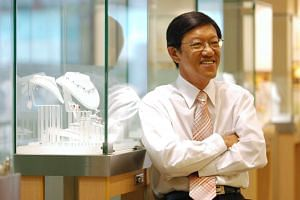 Chng Seng Mok, managing director of Poh Heng Jewellery and former national shooter, in 2006.