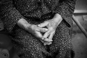 The reason cognitive function in the elderly may be affected after they receive anaesthesia has not been determined, but there seems to be a link between the type of surgery and the risk of injury.