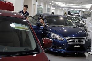 With the latest plunge in the Category A COE price, buyers are expected to flock to showrooms. According to the LTA's bidding portal, the COE price for smaller cars stayed at $22,000 until the final minutes of bidding, then rose.