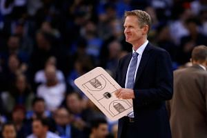 Steve Kerr of the Golden State Warriors in a game against the Indiana Pacers on Jan 22, 2016.