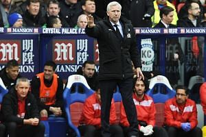 Crystal Palace manager Alan Pardew reacts during the match between Crystal Palace and Liverpool FC, on March 6, 2016.