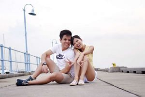 Felicia Neo (right) and Melvin Huang met on Tinder in 2015.