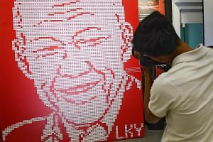 Dr Lee, in an earlier Facebook post, said this picture of an art installation of 4,877 erasers in the likeness of Mr Lee Kuan Yew's image, which was featured on the front page of ST on March 21, had made her wince.