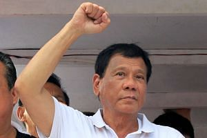 Philippine presidential candidate Rodrigo Duterte was criticised for making a joke about a female Australian missionary who was raped and killed in 1989.