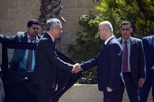 Prime Minister Lee Hsien Loong meets Palestinian Prime Minister Rami Hamdallah in Ramallah on April 20, 2016.