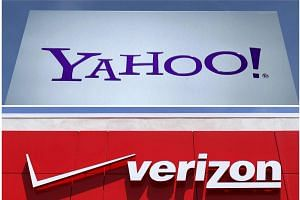 Verizon Communications Inc had agreed to buy Yahoo Inc's core Internet business for US$4.83 billion (S$6.57 billion) in cash.
