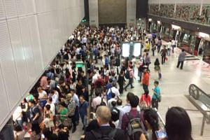 The crowd at Botanic Gardens MRT station on Tuesday (Aug 30) morning.