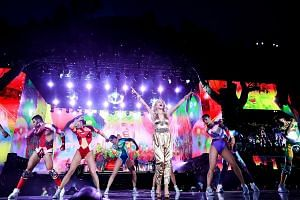 Pop star Kylie Minogue will be performing at the Formula One Singapore Airlines Singapore Grand Prix next weekend.