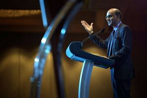 Deputy Prime Minister Tharman Shanmugaratnam speaking at  the Economic Society of Singapore Annual Dinner 2016 event held at the Grand Mandarin Ballroom of the Mandarin Orchard Hotel.