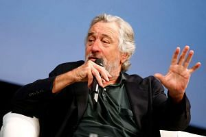 Actor Robert de Niro criticised Republican presidential candidate Donald Trump as someone who has no clue about anything in the world.