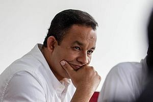 Mr Anies, who was dropped from the Cabinet in the last reshuffle, is now running for governor on the Gerindra party ticket.