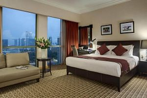 Deluxe Bayview Room of Grand Copthorne Waterfront Hotel.