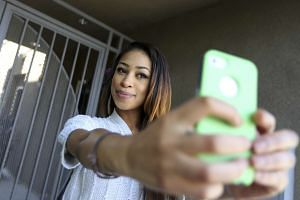 Nurulnadiah Mohamed Noh: Skye Townsend, an actress and Vine user, recording herself in Hollywood, California, on May 1, 2014.