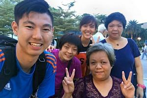 Nanyang Technological University undergraduate Huang Zhiwei, 24, formed a friendship with two complete strangers - Ms Xu Wei Ling, 46, and Ms Wang Cai Ling after he decided to offer them a ride home. From left (standing): Mr Huang Zhiwei, Ms Wang Cai