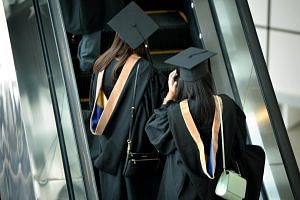 Graduates with a degree in medicine from NUS were the highest paid, drawing $5,000, followed by $4,900 for NUS law graduates and $4,850 for Singapore Management University law graduates.