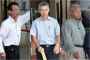 A son of Swee Kee chicken rice founder, Moh Tai Siang (left) sues two brothers, Royston Moh Tai Suan (middle) and Moh Tai Tong (right) in tussle over a house which has been sold for $16 million, at the High Court, April 18, 2017.