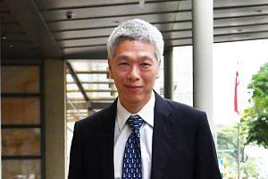 Mr Lee Hsien Yang leaving the Supreme Court on April 10, 2017.