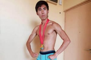 Runner Soh Rui Yong also posted on Instagram a picture of himself in nothing but his underwear and 2015 gold medal with the hashtag #NoSponsorZone attached.