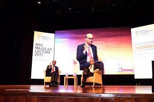 Shanmugaratnam addresses the 1,500-strong audience at the inaugural NTU Majulah Lecture.