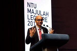 DPM Tharman Shanmugaratnam addressing the 1,500-strong audience at the inaugural NTU Majulah Lecture.