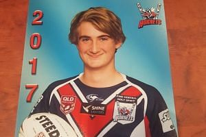A fifteen-year-old Australian teenager, Ben Shaw, has died after he was crushed in a weightlifting accident in a gym last Tuesday (Sept 26).