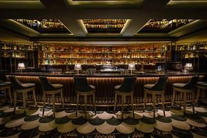 Established cocktail bar Manhattan in the Regent Hotel Singapore moved up four spots from No. 11 to No. 7.