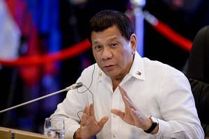 Philippine President Rodrigo Duterte has pledged that two accused Russian drug traffickers will be detained in a