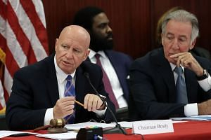 Representative Kevin Brady (left) and Representative Richard Neal at a Senate-House Conference Committee meeting on Dec 13, 2017.