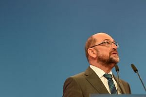 SPD leader Martin Schulz is facing criticism from the party's left and youth wings, which argue that the party should reinvent itself after its worst election result since 1949.