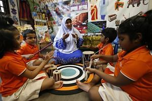 In a bid to strengthen bilingualism and in response to growing interest from parents, some pre-school operators are opening Tamil and Malay classes.