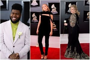 Singers (from left to right) Khalid, Miley Cyrus and Kelly Clarkson were among those who sported or carried the flowers.