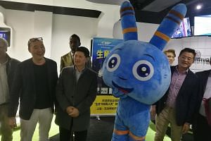 Dr Yu Wei Siang (with glasses on head) and guests at the official launch of the Fertility UFO Show in Shanghai last week.