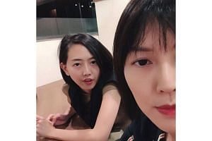 Singer Stefanie Sun shared an amusing encounter she and her sister had in a restaurant, after a waiter could not tell them apart.
