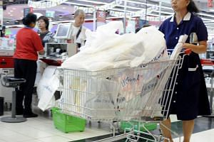 A study found that the regular use of a reusable bag over a year could replace the use of 125 single-use plastic bags, or 52 single-use paper bags.