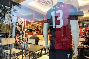 The jersey of deceased Italian player Davide Astori isa seen at the Cagliari Calcio in a Cagliari Calcio Store in Cagliari, Sardinia island, Italy, on March 4, 2018.