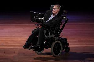 Politicians, academics and celebrities praised Stephen Hawking's universal appeal.