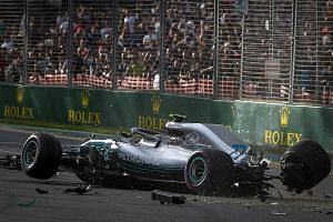 Valtteri Bottas crashed on his first attempt at a flying lap at Albert Park yesterday and his car will have to be fitted with a new gearbox.