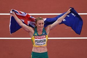 Australia's Sally Pearson was widely tipped to claim her third successive Commonwealth hurdles title on the Gold Coast.